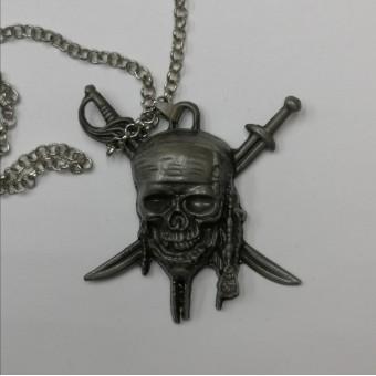 кулон металлический Пираты Карибского моря